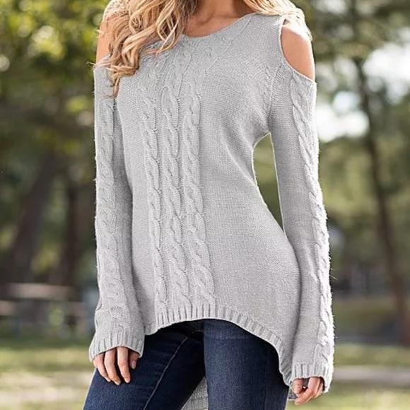 a7dea3de7d 🔥Venus gray cold shoulder sweater. M 5ac15016d39ca298b7ea4ab3